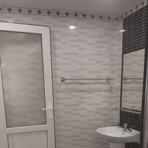 Cửa nhôm vệ sinh chính hãng của công ty cửa Công nghệ mới
