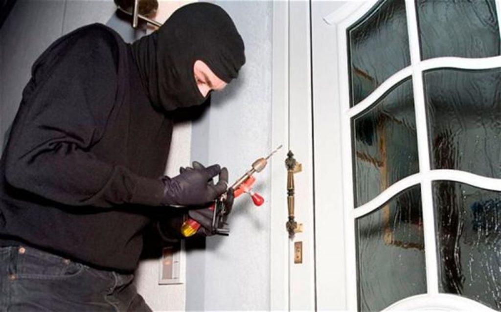 cua an toan va chong trom tot1 - Kinh nghiệm chọn cửa an toàn và chống trộm tốt ai cũng cần phải biết