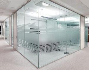Kính cường lực chất lượng tại công ty TNHH cửa công nghệ mới CNM