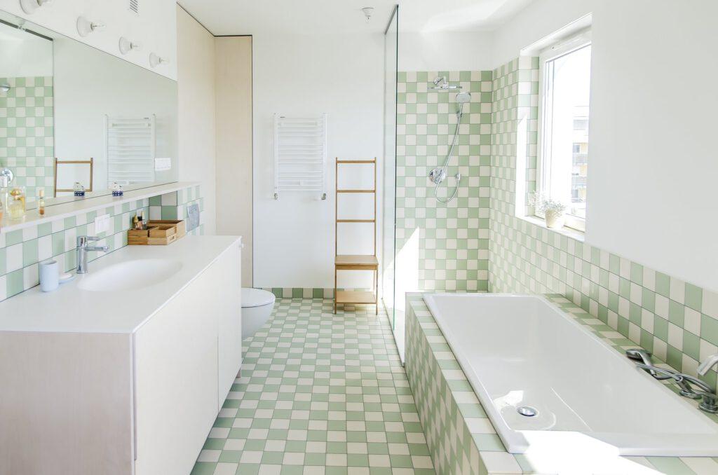 vach kinh phong tam 1 1024x678 - Vách kính cường lực phòng tắm: thiết kế cách tân liệu có phù hợp văn hóa Á Đông?
