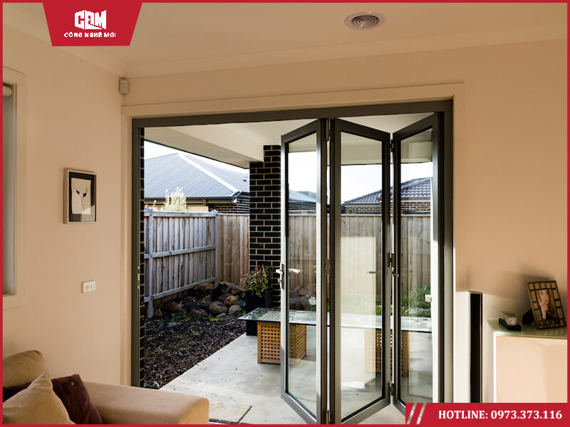 cua xep - Cẩm nang thiết kế: Bí quyết chọn lựa cửa hiên kính cường lực hợp lý trong nhà ở