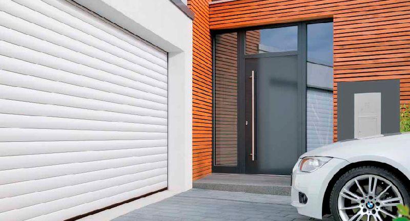 lap dat cua cuon cho garage oto - Lắp đặt cửa cuốn cho nhà ở có an toàn không?